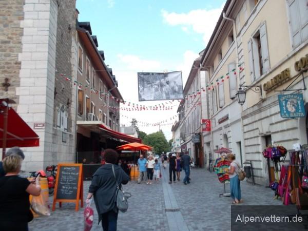 Barcelonette ist ein lebhaftes, kleines Städtchen im Süden der französischen Alpen