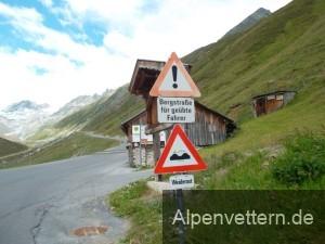 Das Schild sagt uns schon, wie die Steigung zum Gletscher hinauf aussieht