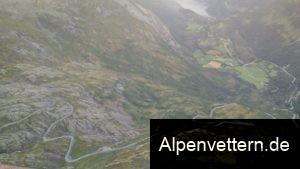 Unvergesslich: Die Aussicht auf die Bergstraße und den Fjord vom Gipfel des Dalsnibba